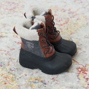 Oshkosh B'gosh warm unisex boots